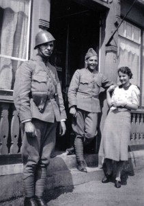 Sergeant Heins, Koen, Meulemans, Annie van zadelhof.