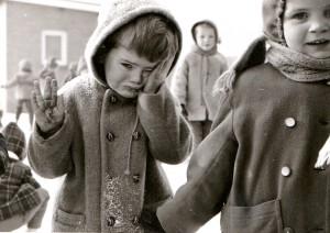 """Kleuterschool Beers. Oktober 1965 """"de kleintjes""""van juf Heymans. Ton Keijzers Foto afkomstig van Cees Wijnhoven (Beers)"""