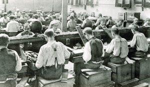 Cuijk Victor Hugo Sigarenmakers aan het werk